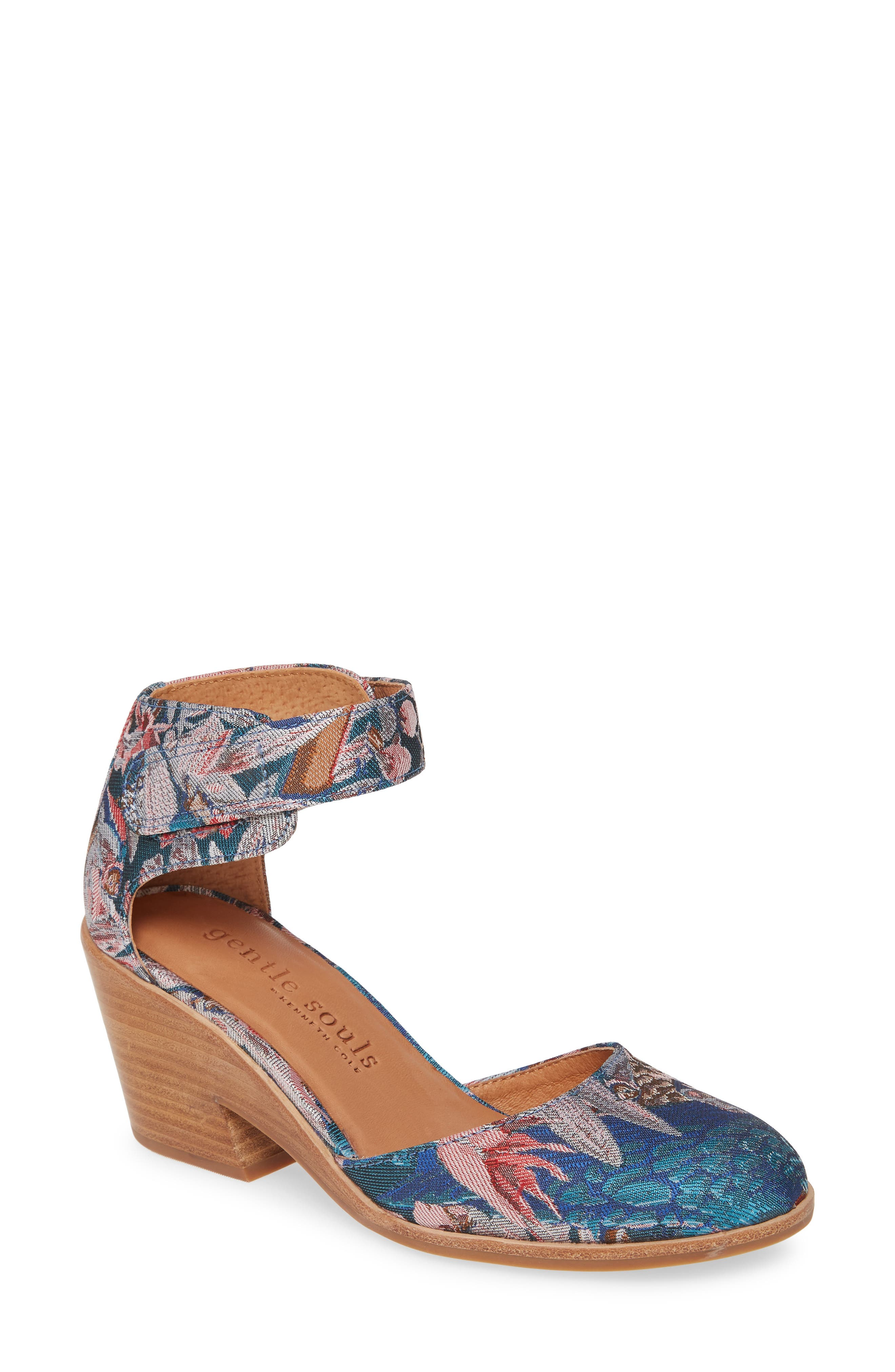 Gentle Souls By Kenneth Cole Blaise Pump