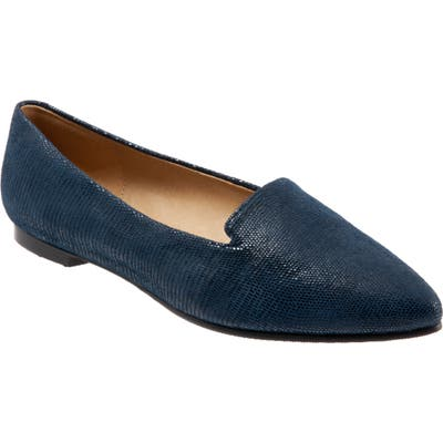 Trotters Harlowe Pointy Toe Loafer, WW - Blue