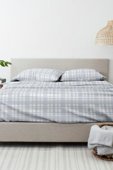Image of IENJOY HOME Home Collection Premium Woven 4-Piece Queen Flannel Bed Sheet Set - Light Blue