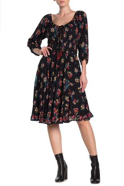 Image of Nostalgia Apparel Quarter Sleeve Puckered Floral Dress