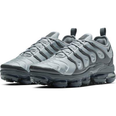 Nike Air Vapormax Plus Sneaker, Black