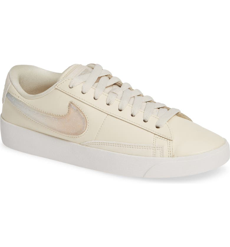Nike Blazer Low LX Sneaker Women