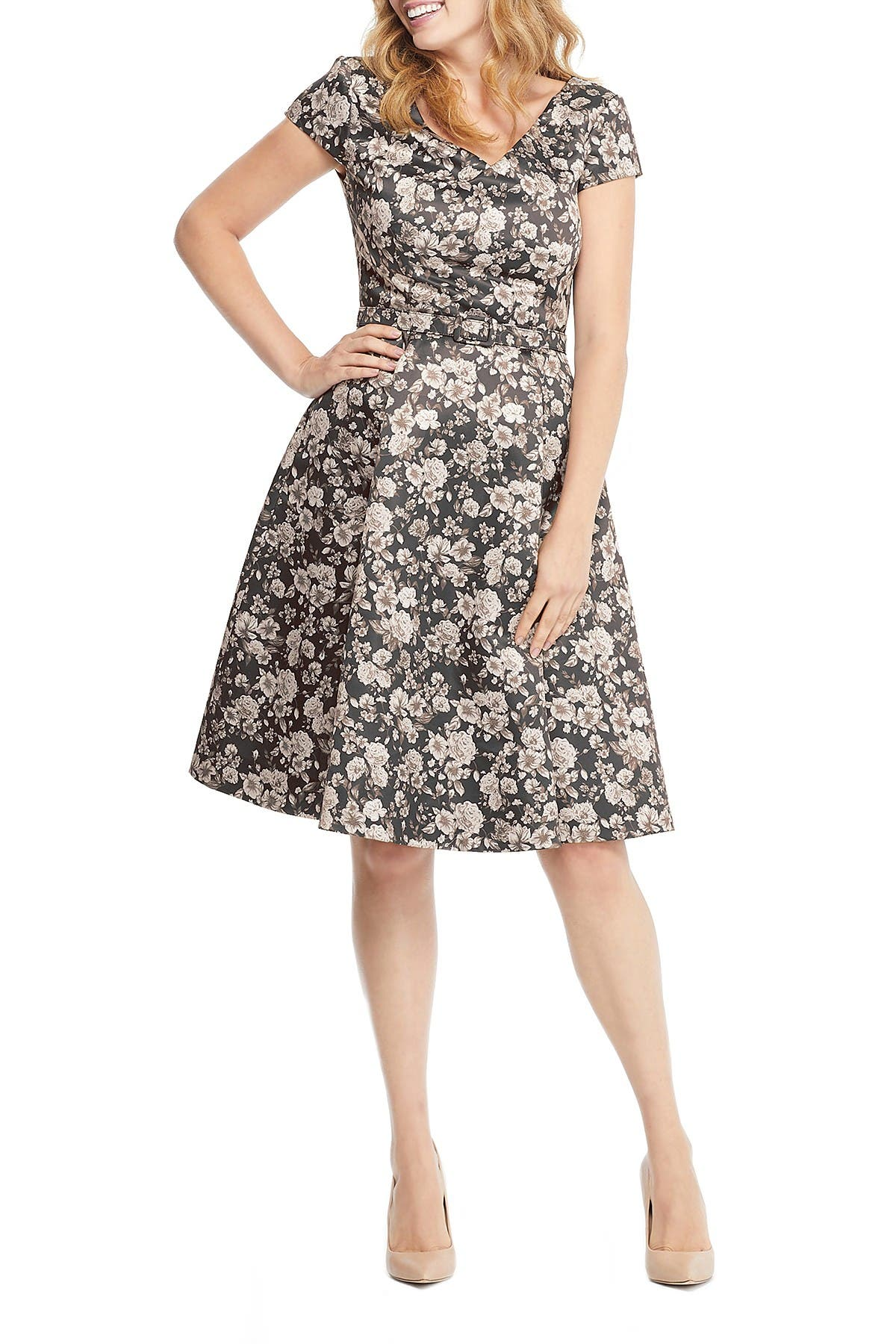 Image of Gal Meets Glam Elle Draped Neck Floral Print Dress