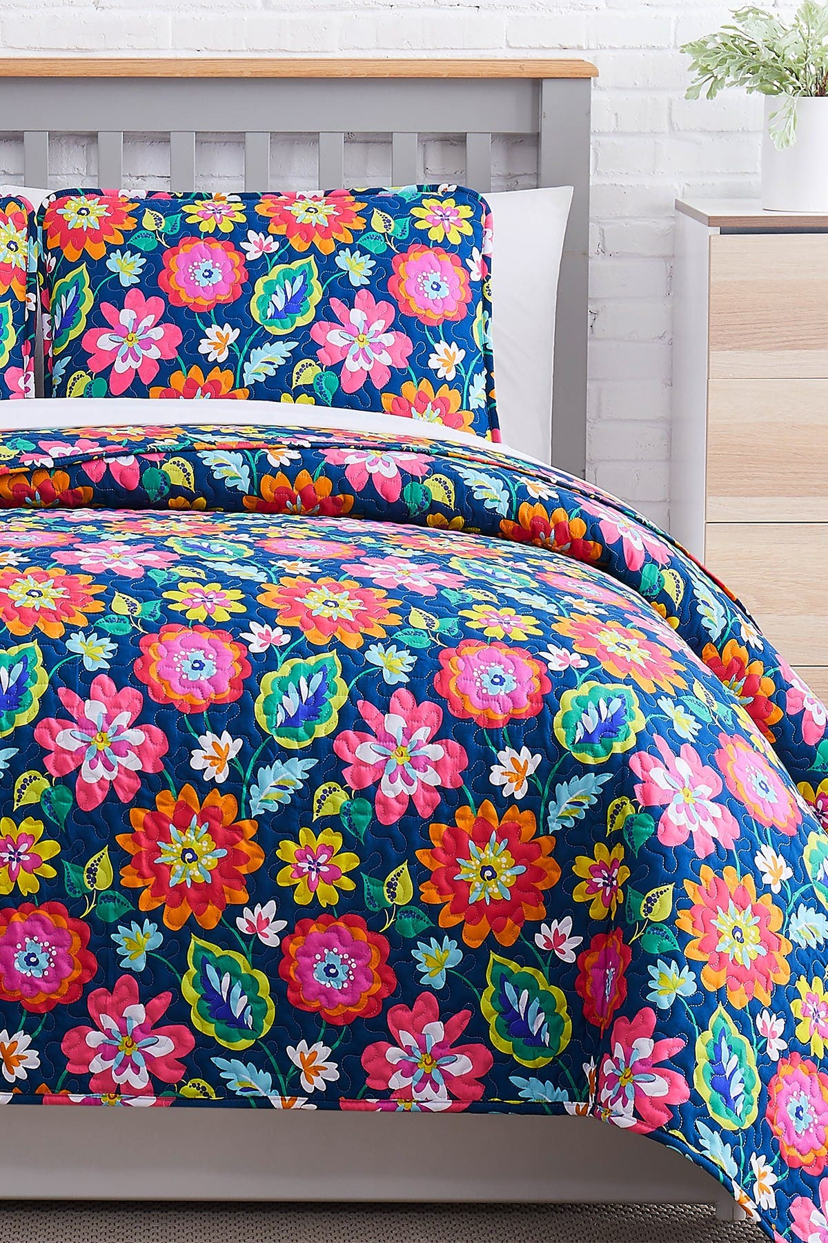 Image of SOUTHSHORE FINE LINENS Luxury Collection Oversized Quilt 3-Piece Set - King/California King