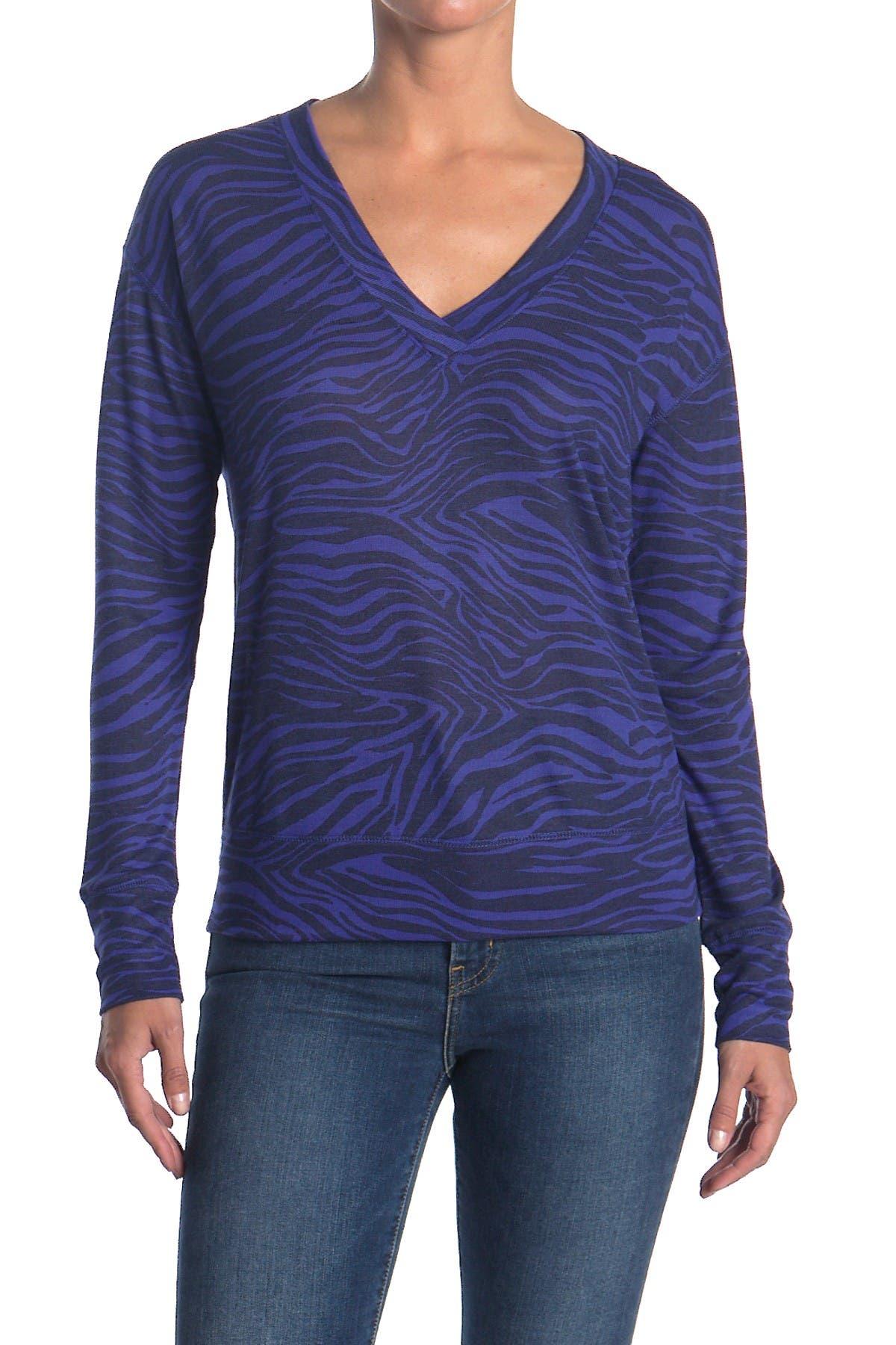 Image of David Lerner Jennifer Long Sleeve V-Neck Pullover