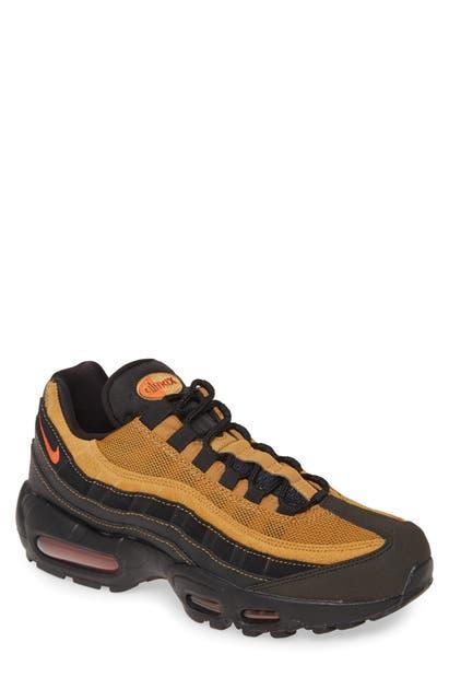 Air Max 95 Essential Sneaker In Black