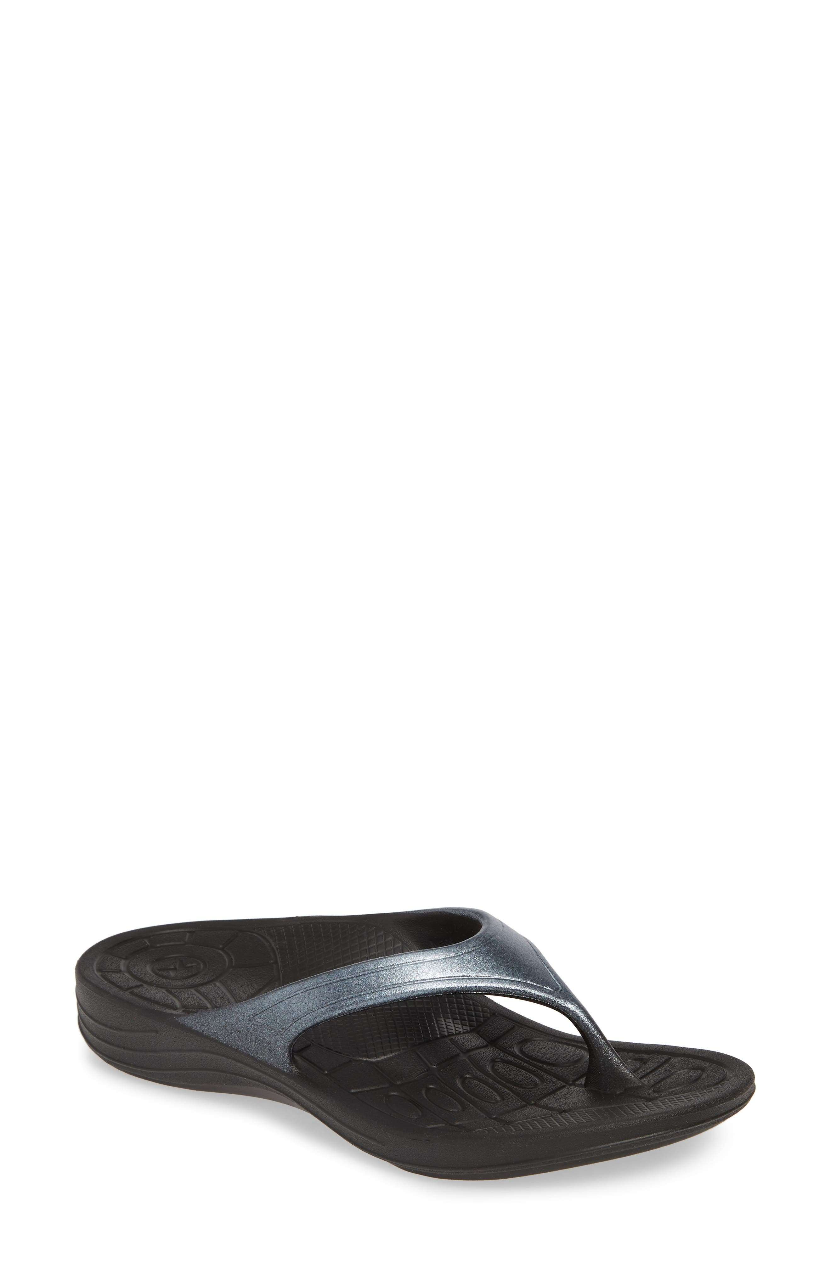 Aetrex Fiji Flip Flop, Black