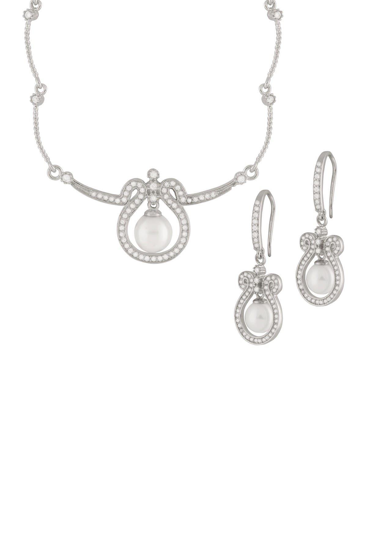 Image of Splendid Pearls 7-8mm White Freshwater Pearl & CZ Set
