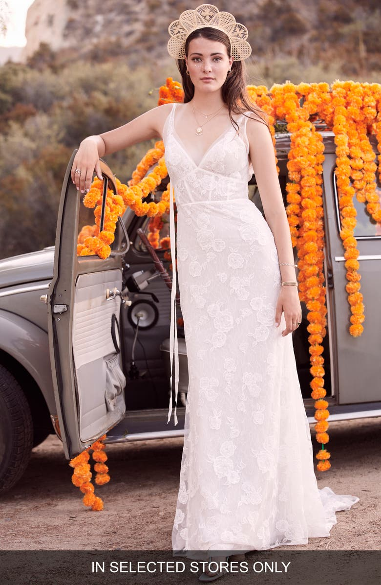 WILLOWBY Aileen Lace Wedding Dress, Main, color, IVORY