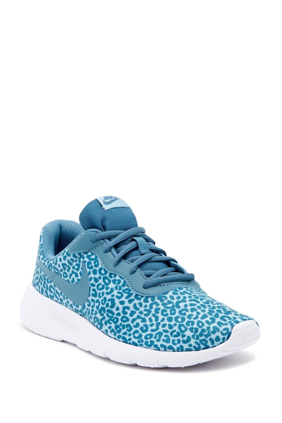 Baskets Gar/çon Nike Tanjun GS