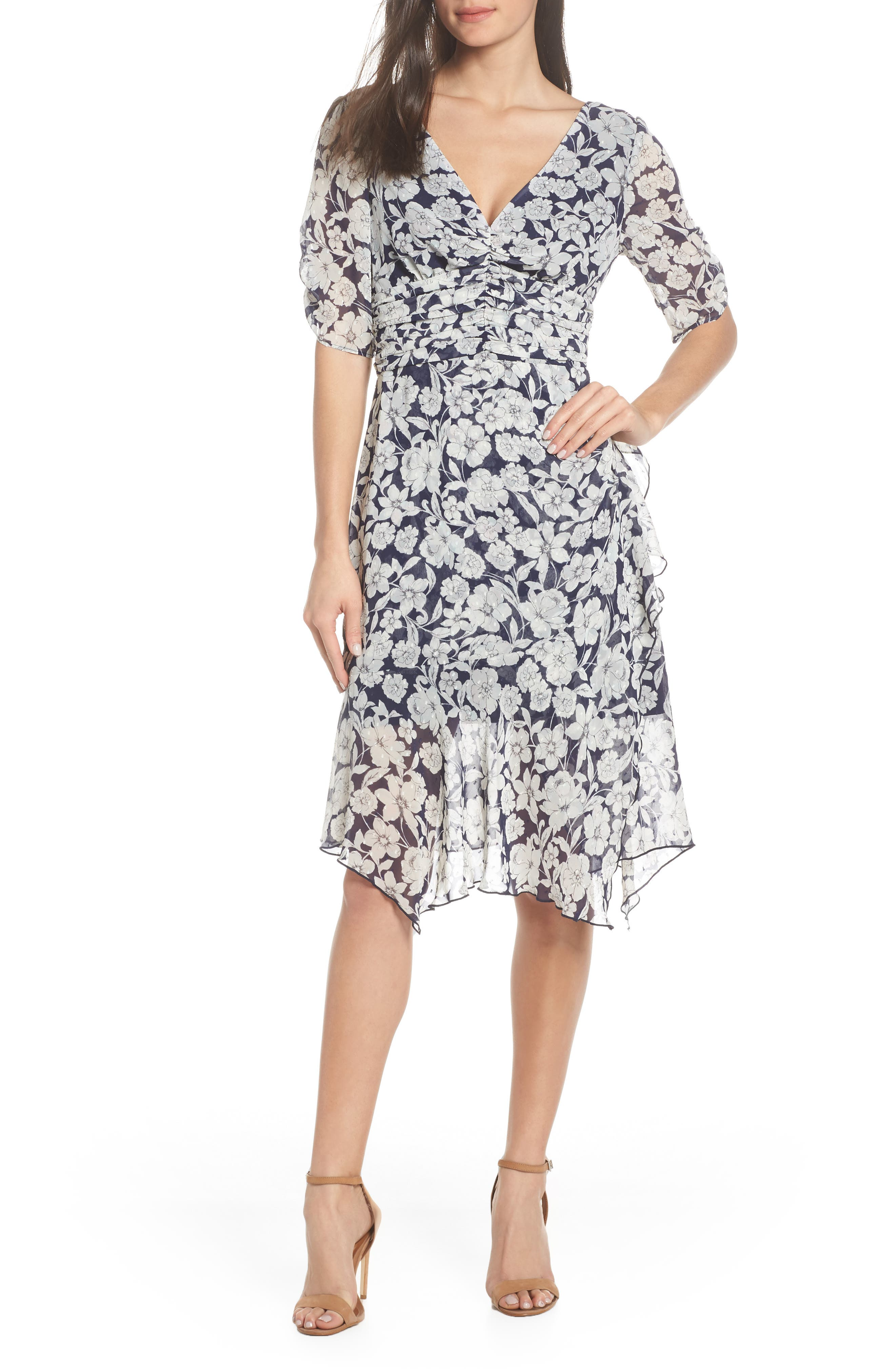 Petite Chelsea28 Floral Print Ruched Dress, Blue