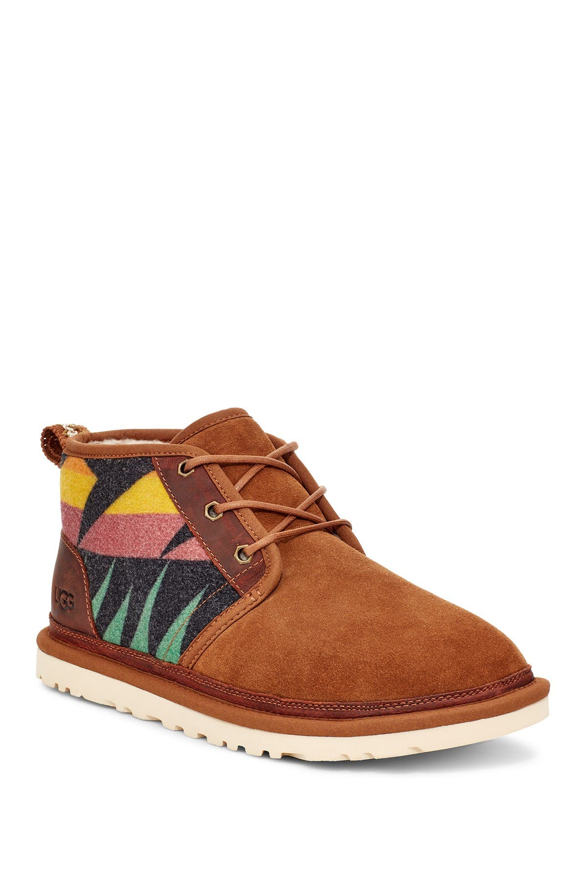 UGG   Neumel Sierra Chukka Boot