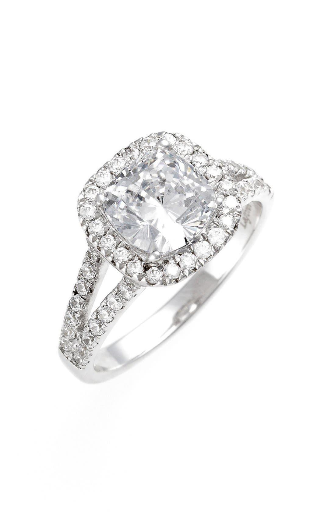 'Lassaire' Split Shank Halo Ring