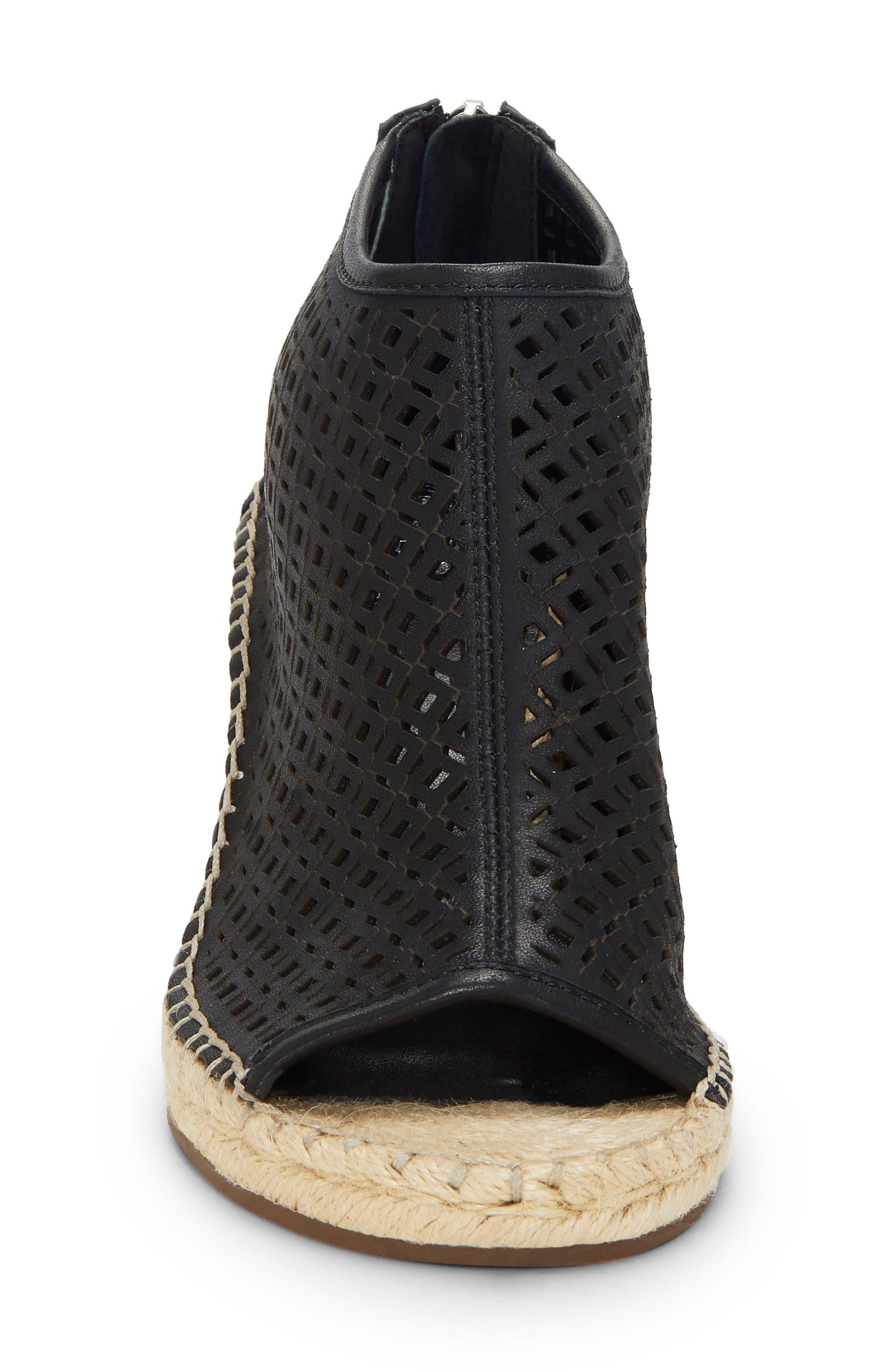 Vince Camuto Boots Lereena Bootie