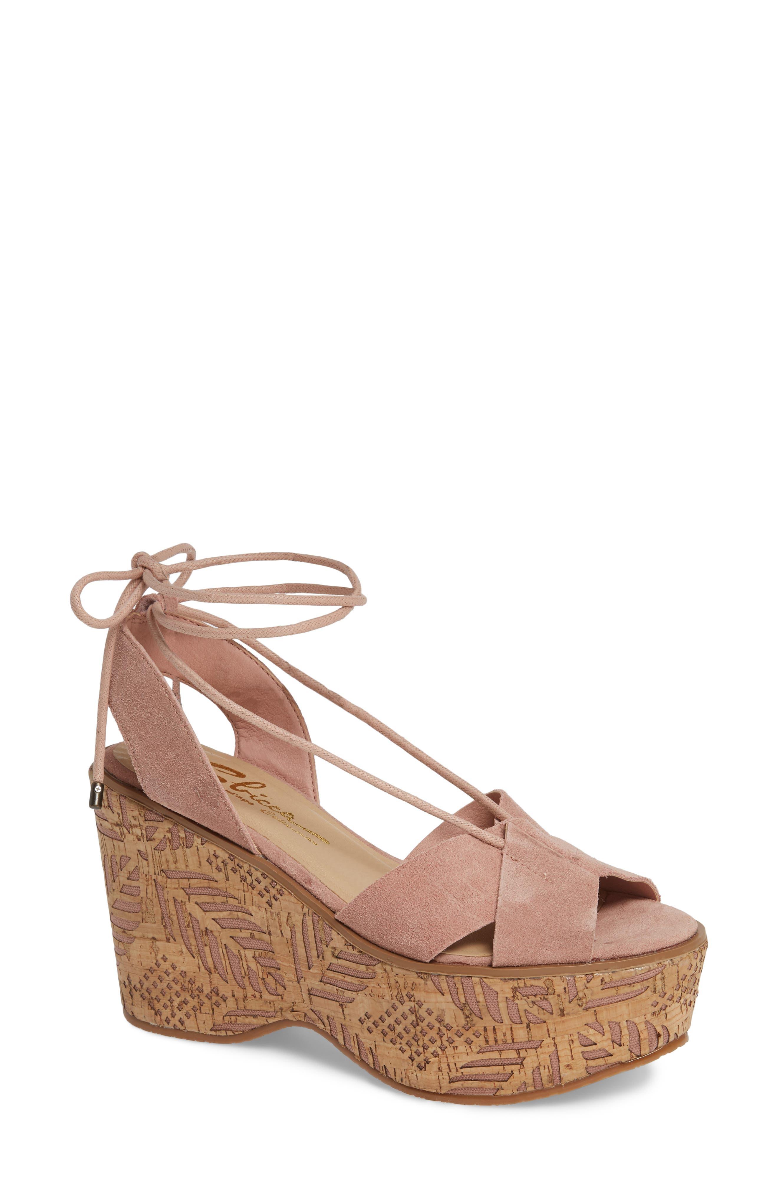 Sbicca Islandia Platform Sandal (Women)