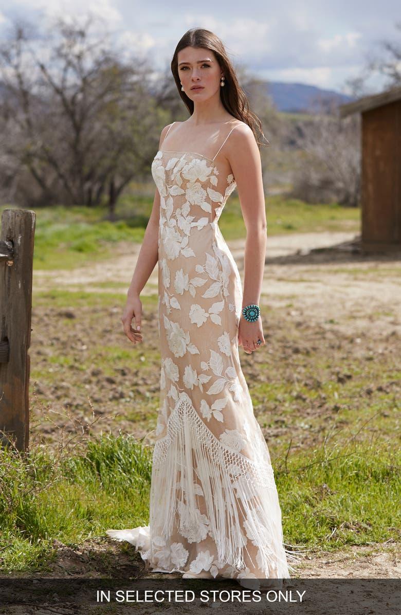 WILLOWBY Shay Lace Sheath Wedding Dress, Main, color, IV/ND/BLUSH