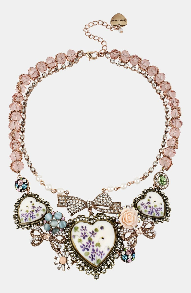 BETSEY JOHNSON Porcelain Heart Bib Necklace, Main, color, 500