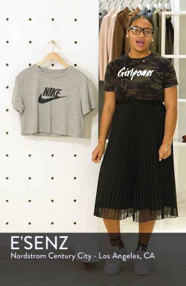 Sportswear Essential Crop Tee, sales video thumbnail