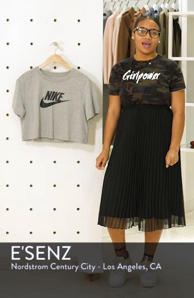 Sportswear Essential Crop Tee, sales video thumbnail