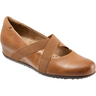 Softwalk Waverly Mary Jane Wedge, Brown