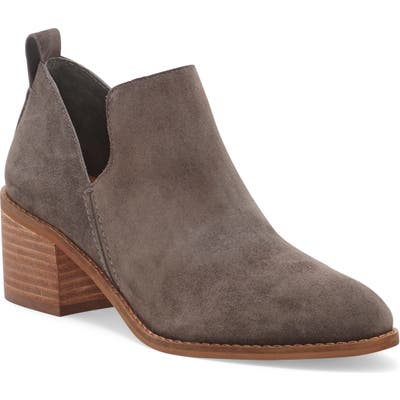 1.state Idania Bootie