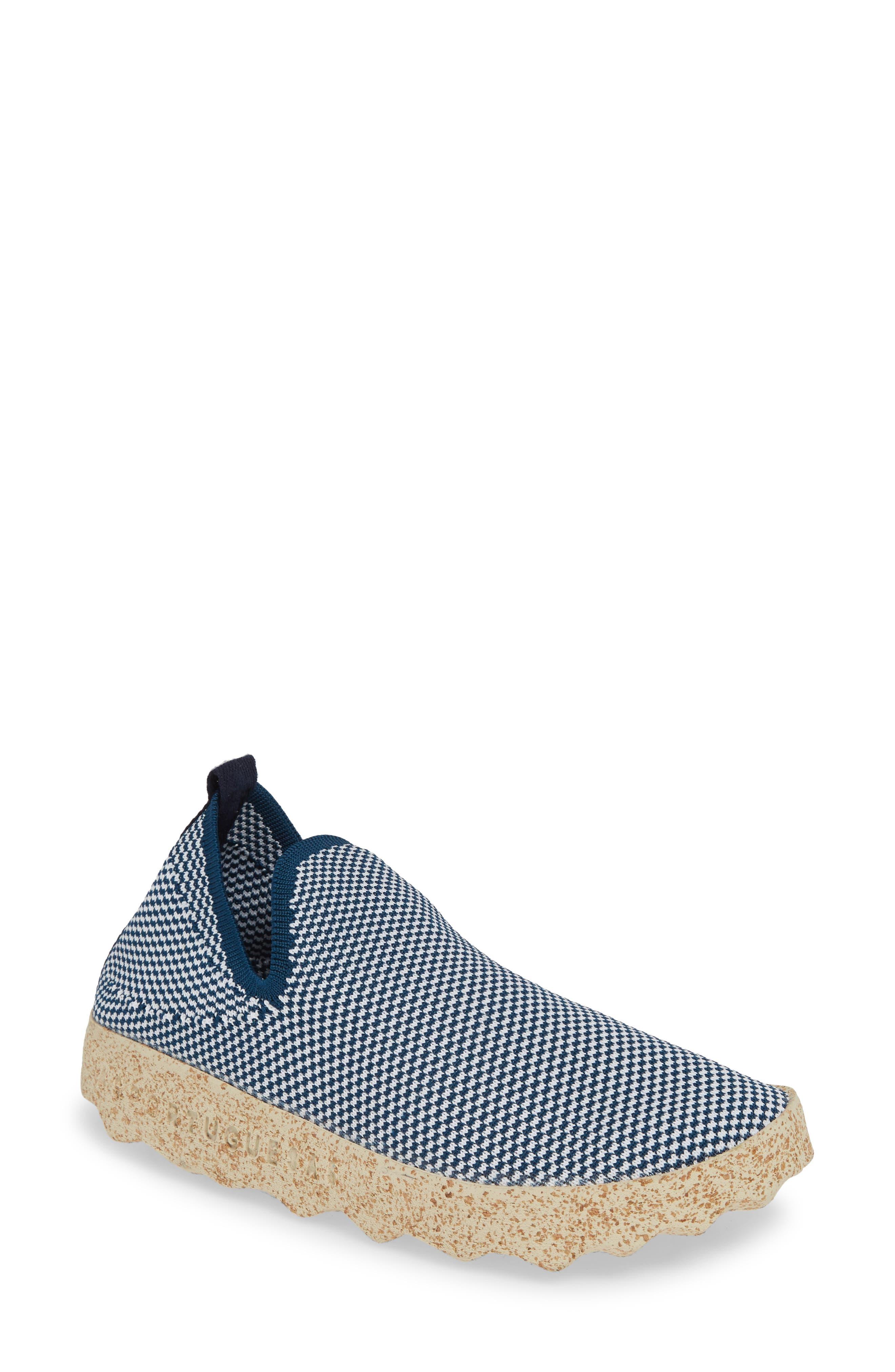 Asportuguesas By Fly London Care Sneaker - Blue