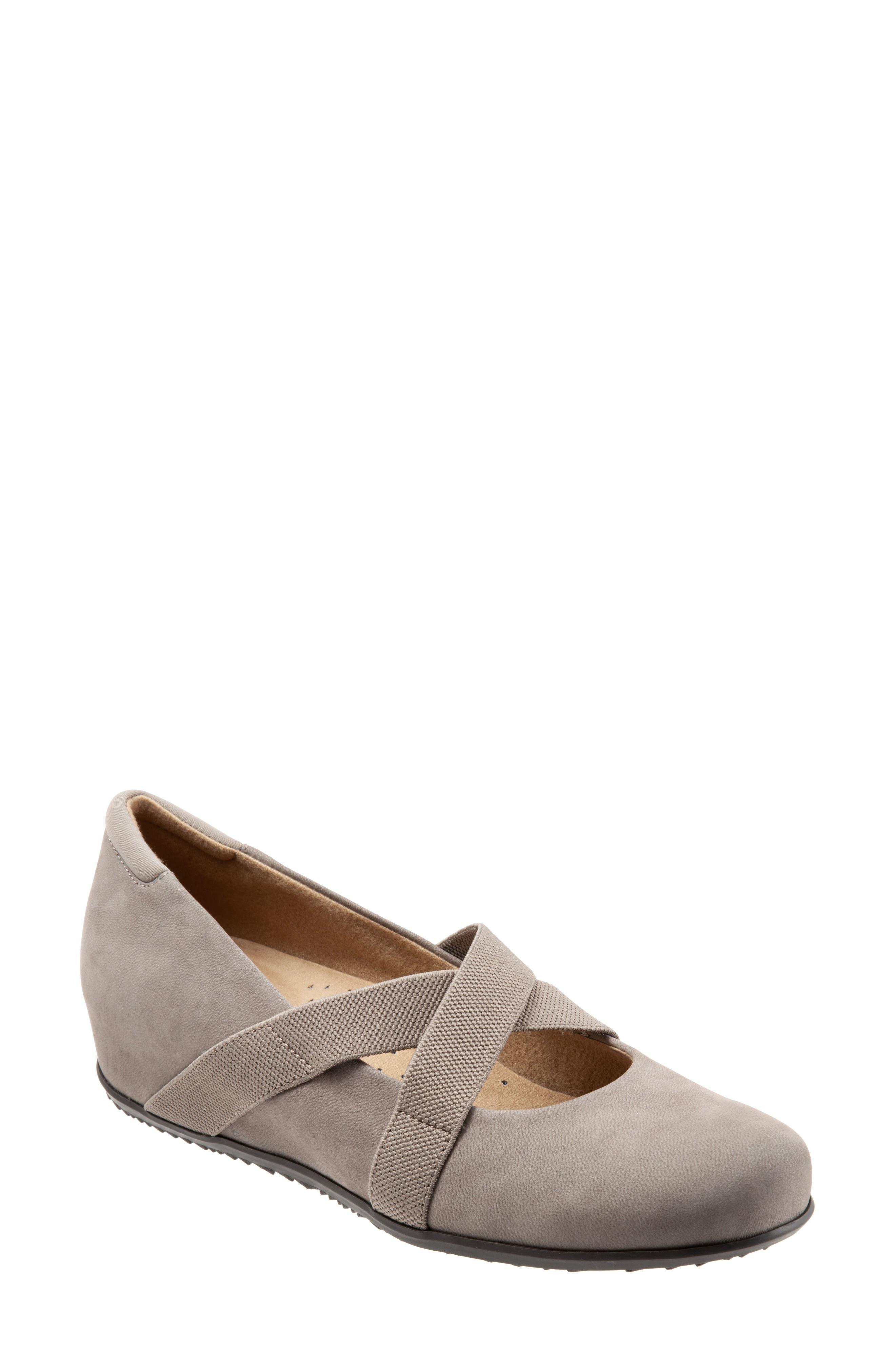 Softwalk Waverly Mary Jane Wedge- Grey