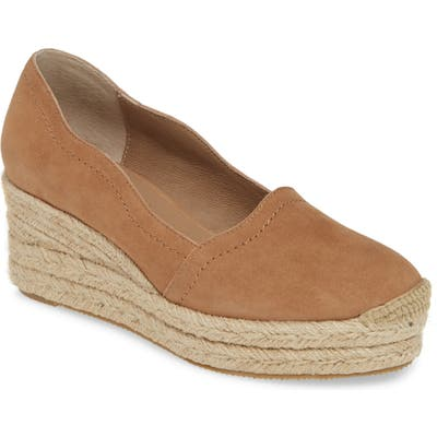Bettye Muller Concepts Reese Wedge Pump, Beige