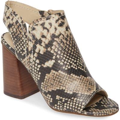 Treasure & Bond Hayley Block Heel Sandal- Beige