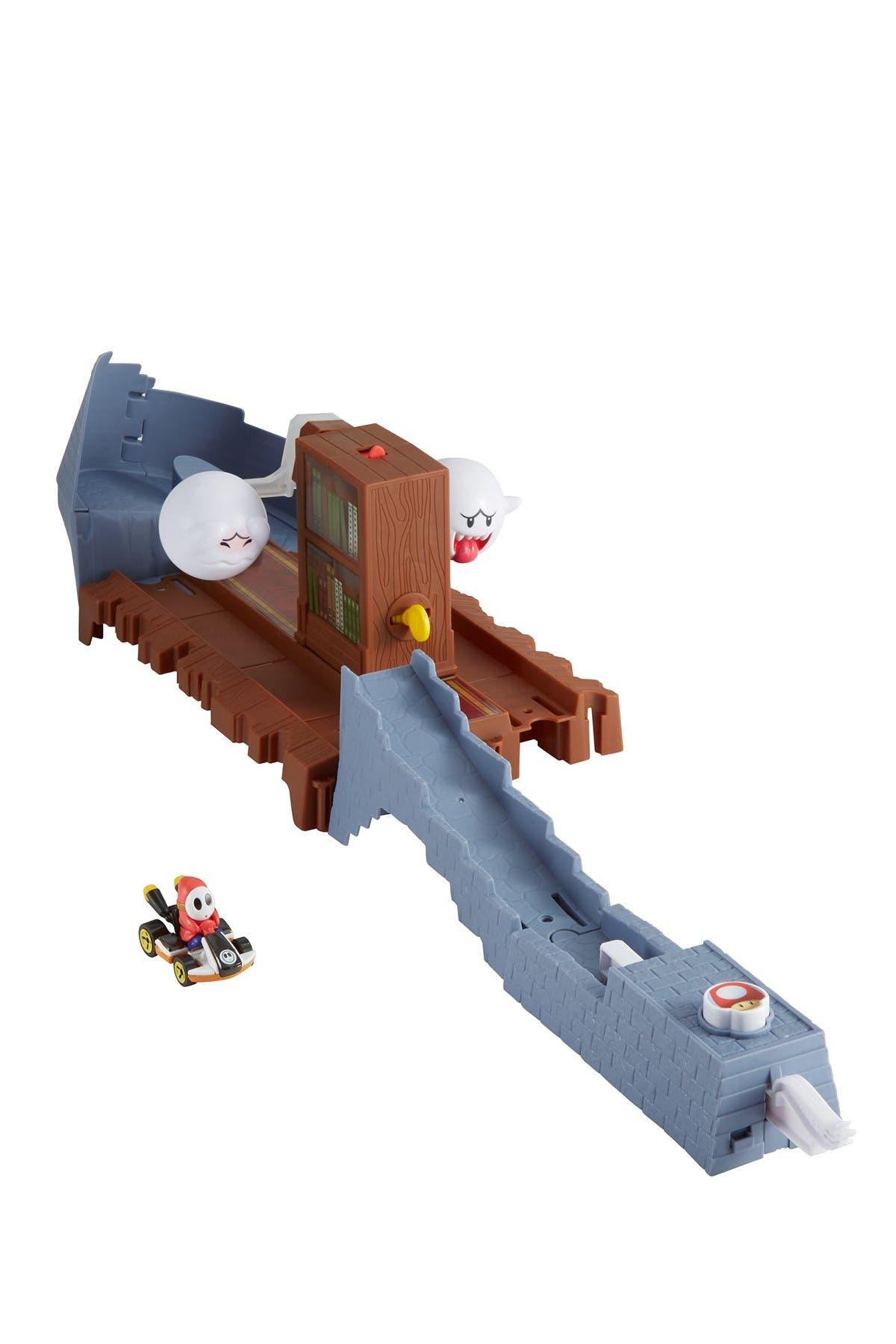 Image of Mattel Hot Wheels(R) Mario Kart(TM) Boo's Spooky Sprint Track Set