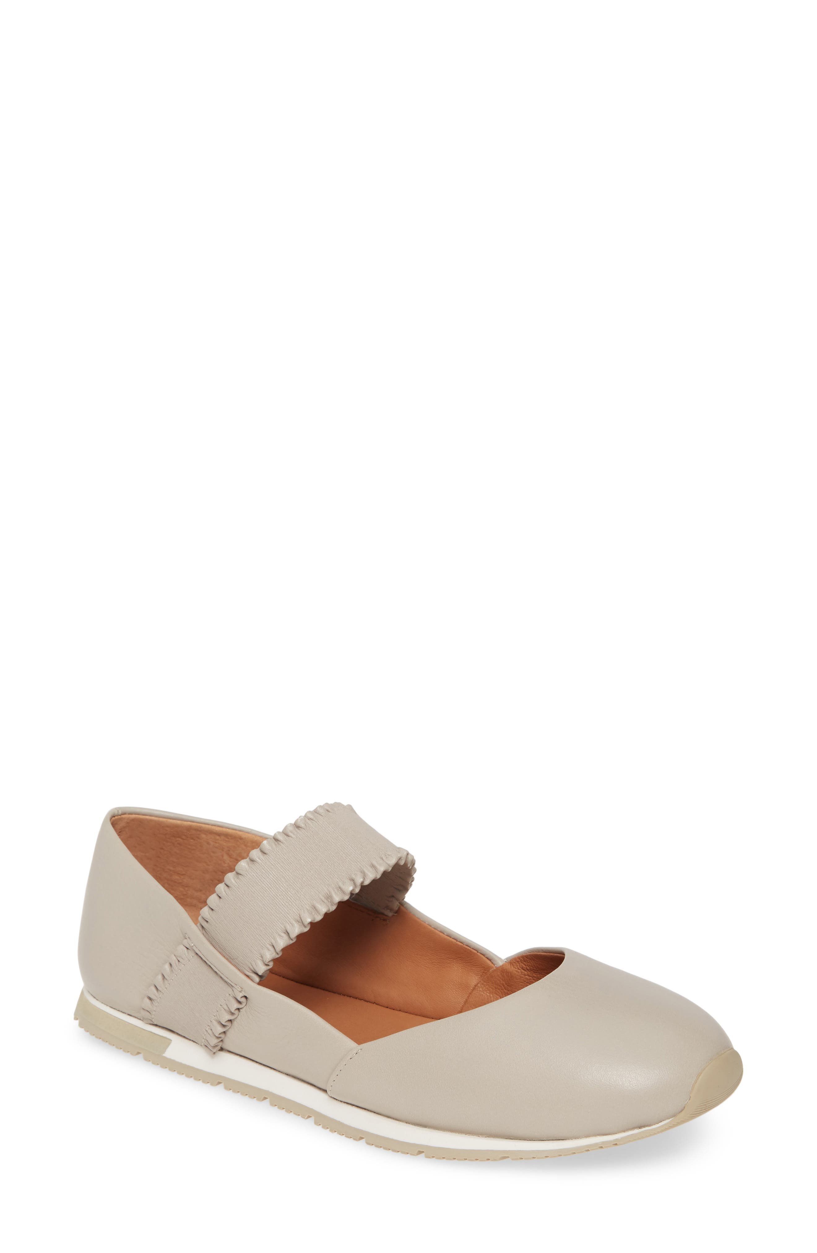 Image of Gentle Souls by Kenneth Cole Luca Ruffle Strap Leather Flat