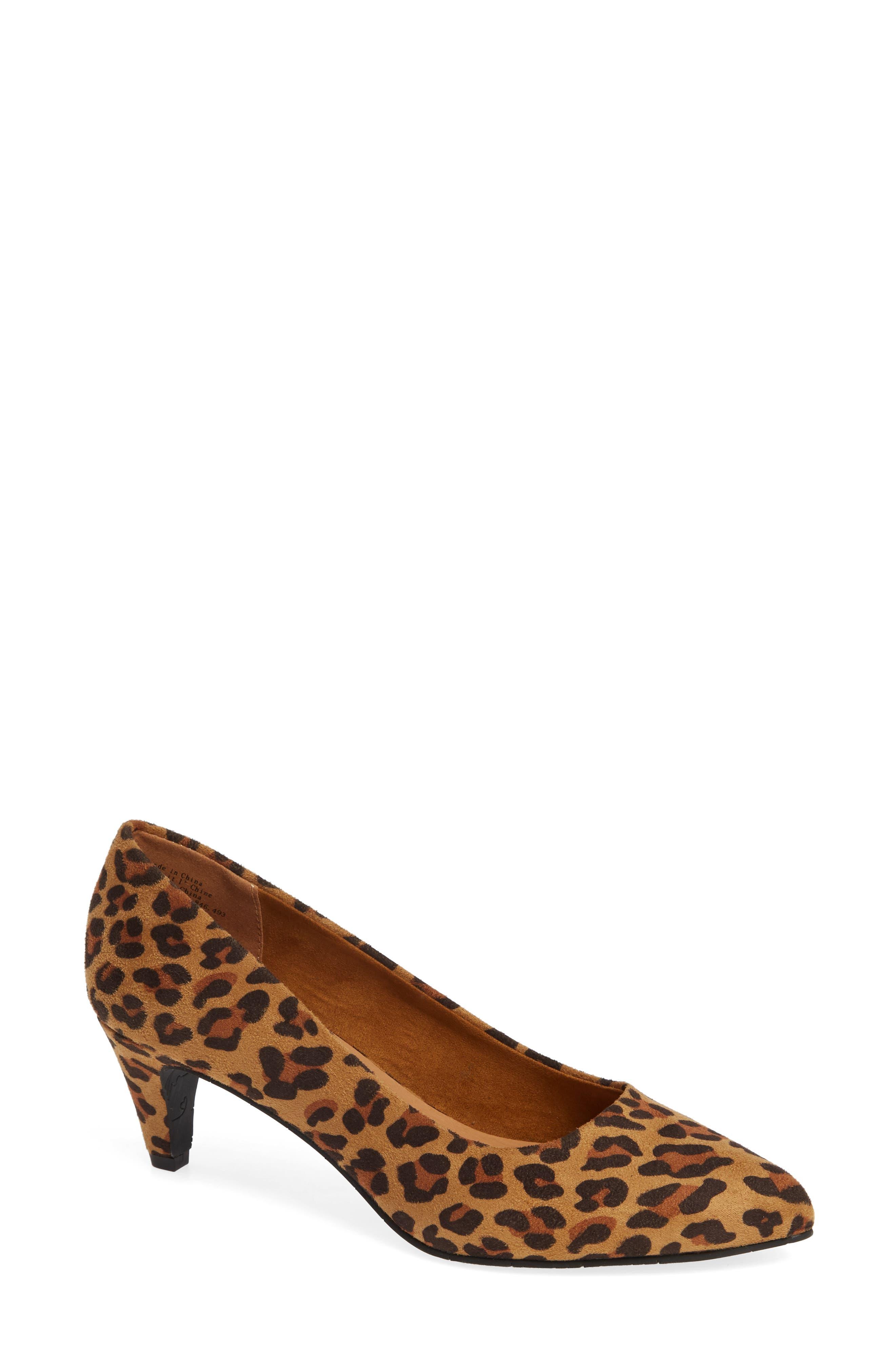 Bc Footwear Karat Kitten Heel Pump, Brown