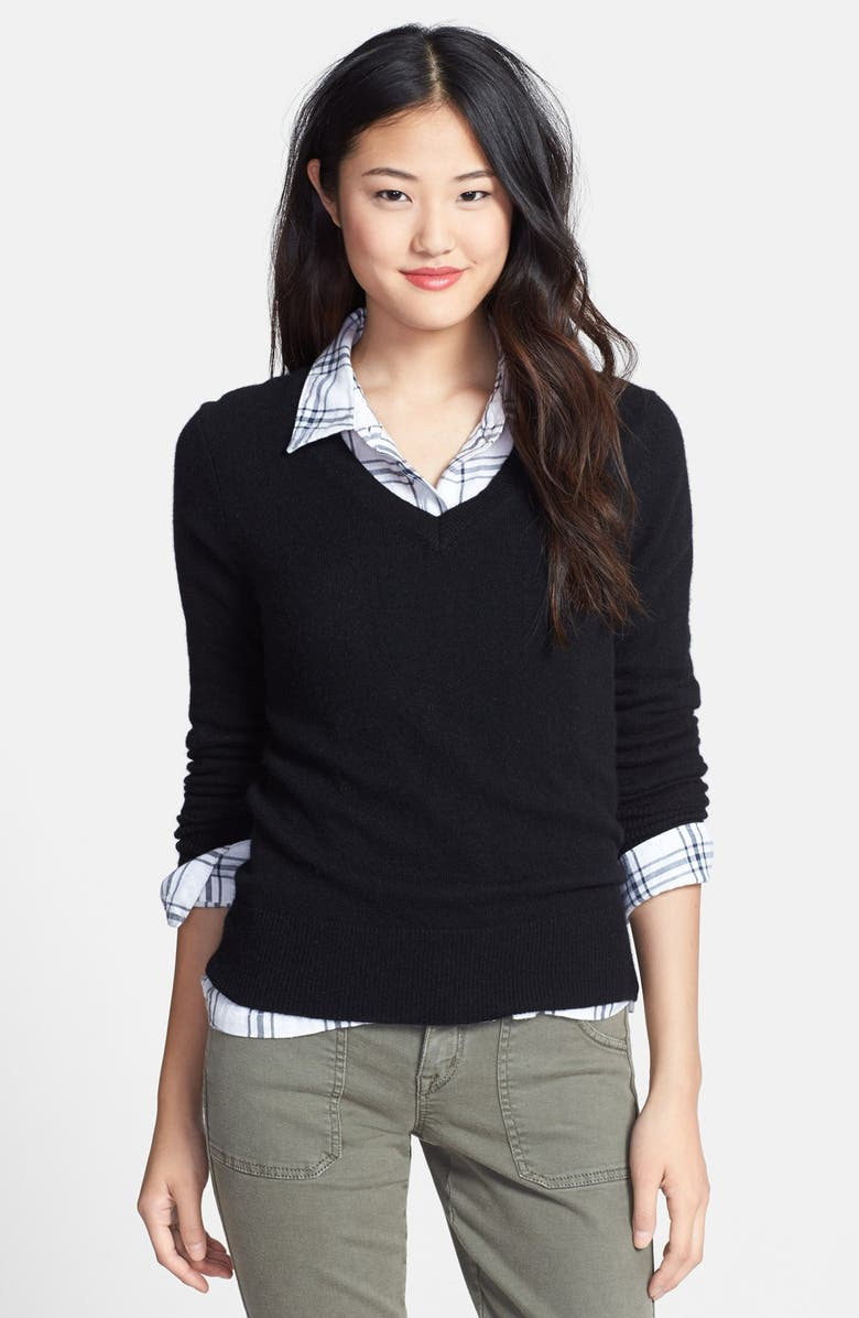 HALOGEN<SUP>®</SUP> Cashmere V-Neck Sweater, Main, color, 001