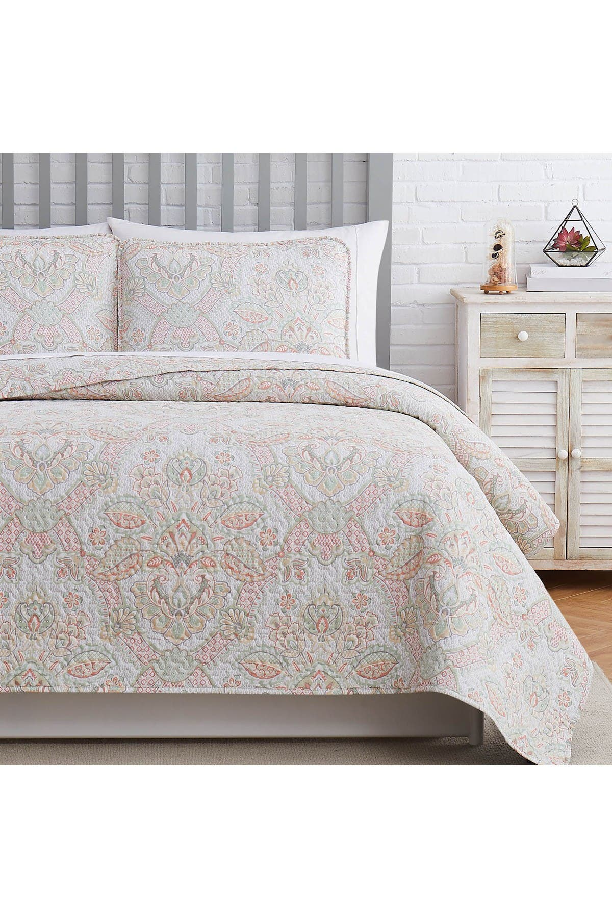 Image of SOUTHSHORE FINE LINENS Enchantment Oversized Quilt Cover Set - Coral - King/California King