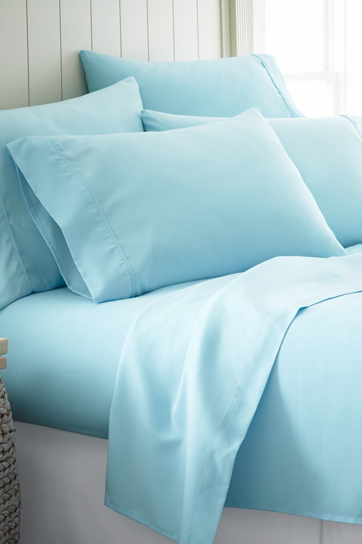 Image of IENJOY HOME Twin Hotel Collection Premium Ultra Soft 4-Piece Bed Sheet Set - Aqua