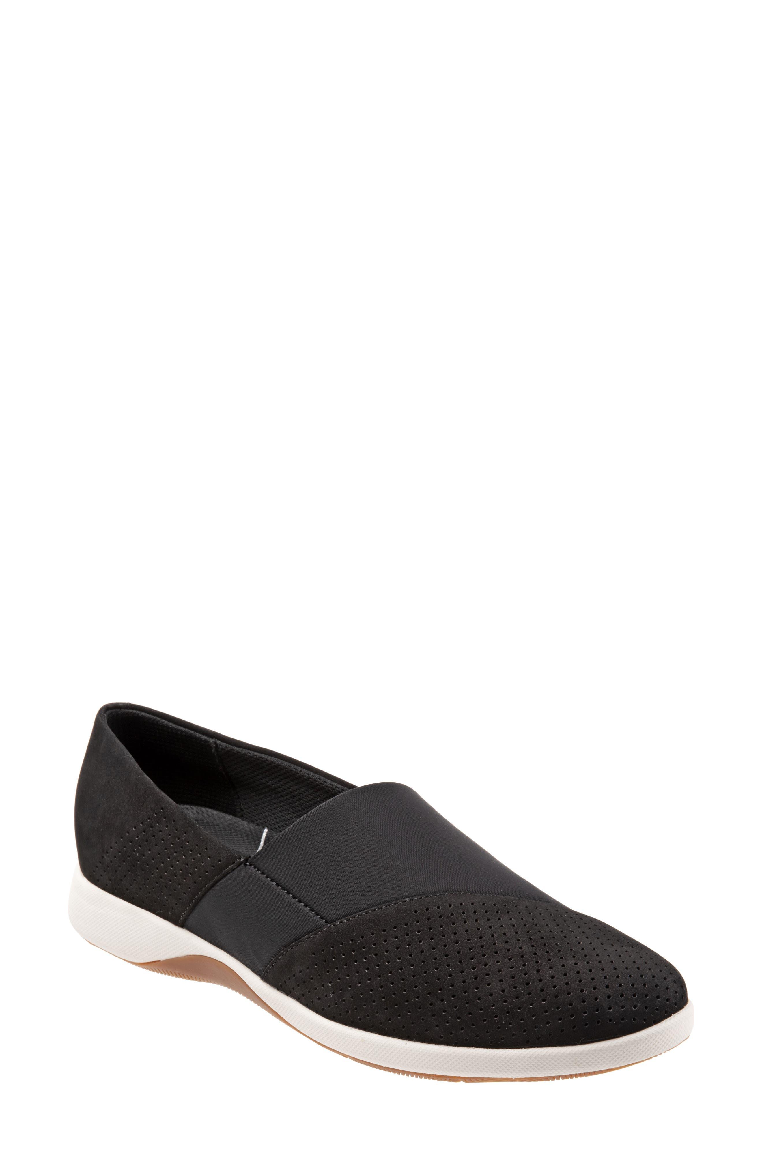 Softwalk Hana Slip-On,- Black