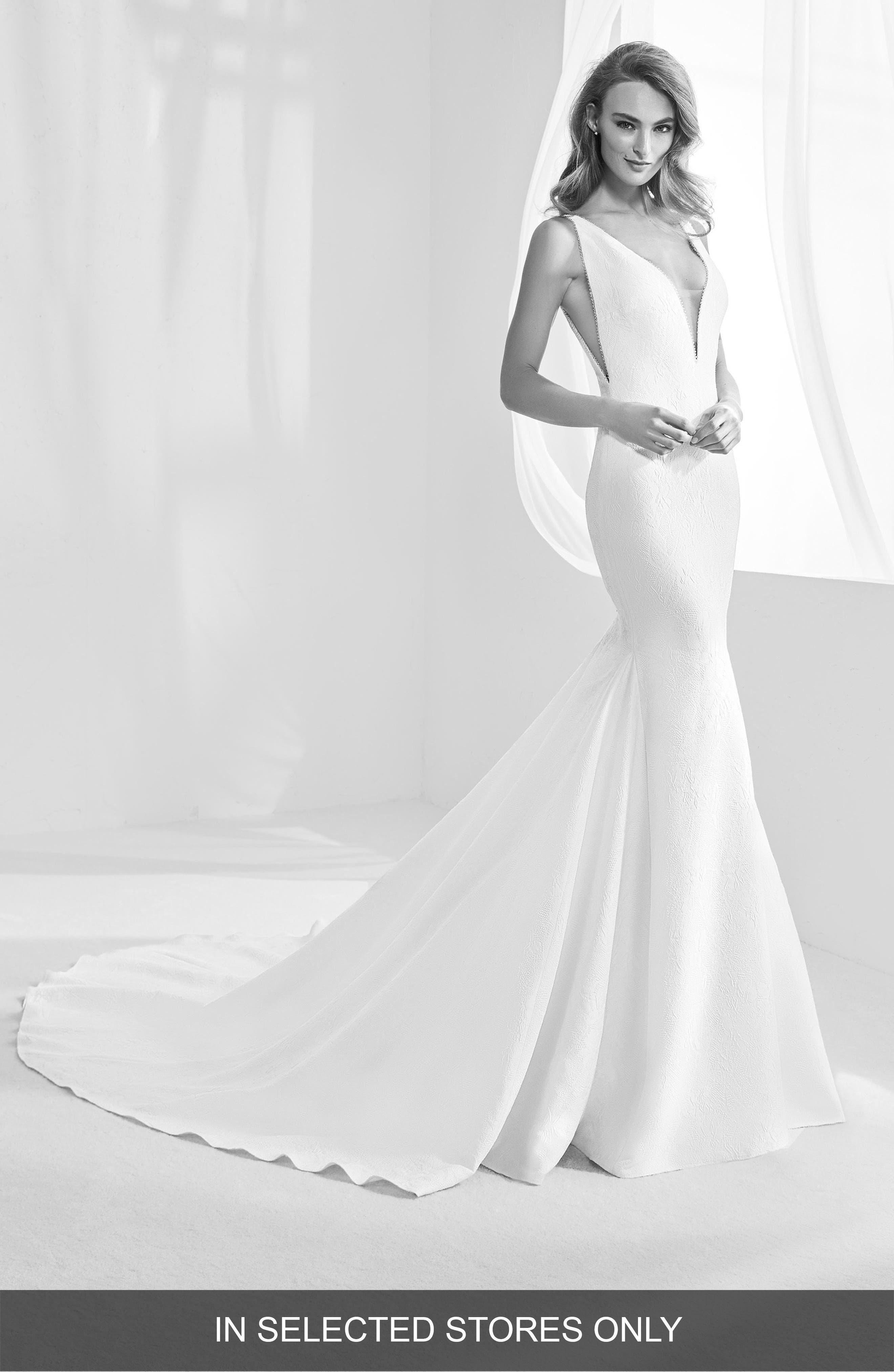 Atelier Pronovias Racimo V-Back Crepe Mermaid Gown, Size - Ivory