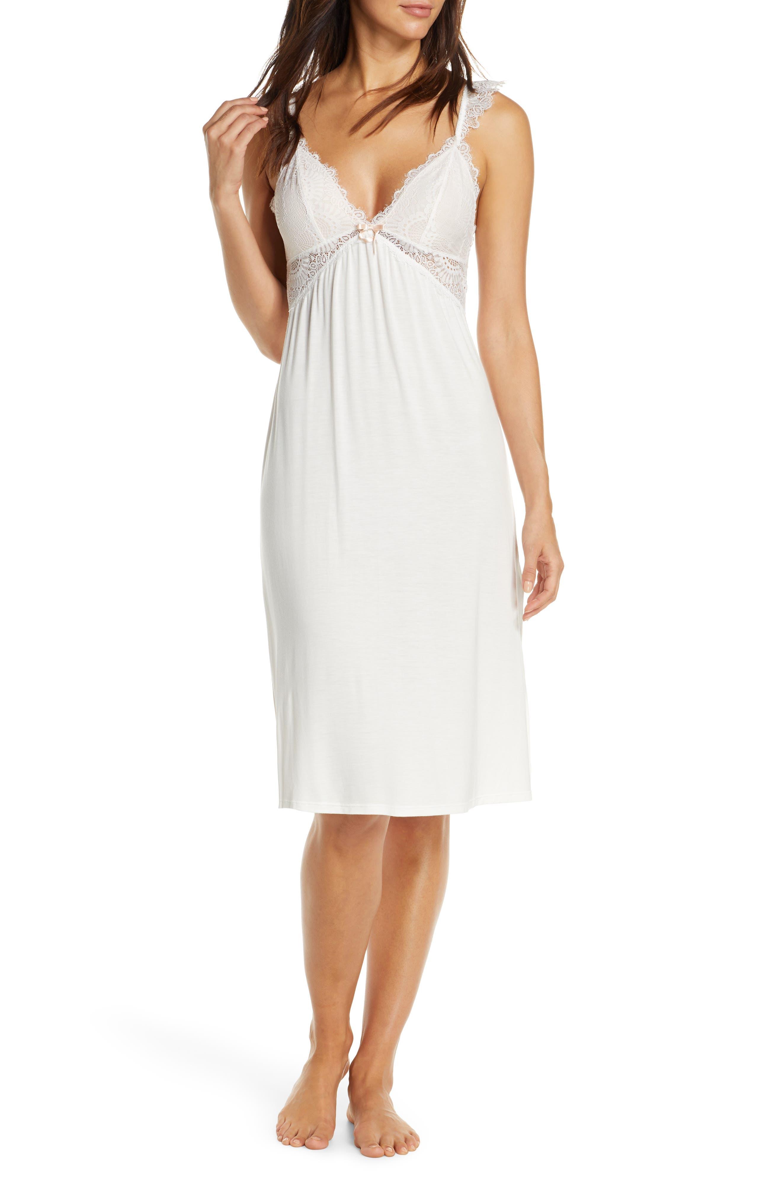 Homebodii Petra Nightgown, White