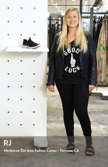 Yvonne Sneaker, sales video thumbnail
