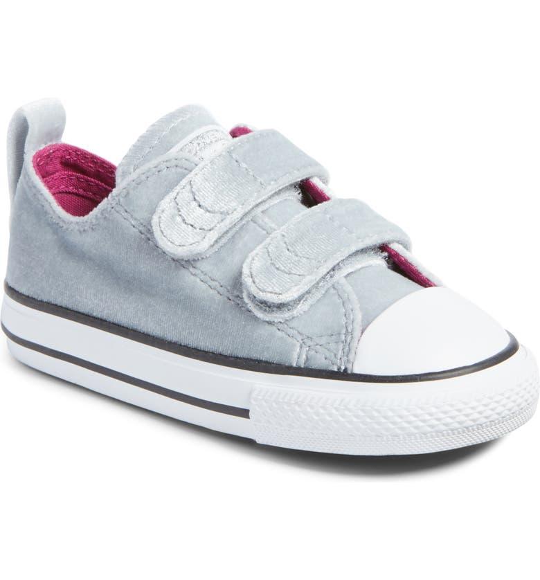 Chuck Taylor® All Star® 2V Velvet Low Top Sneaker