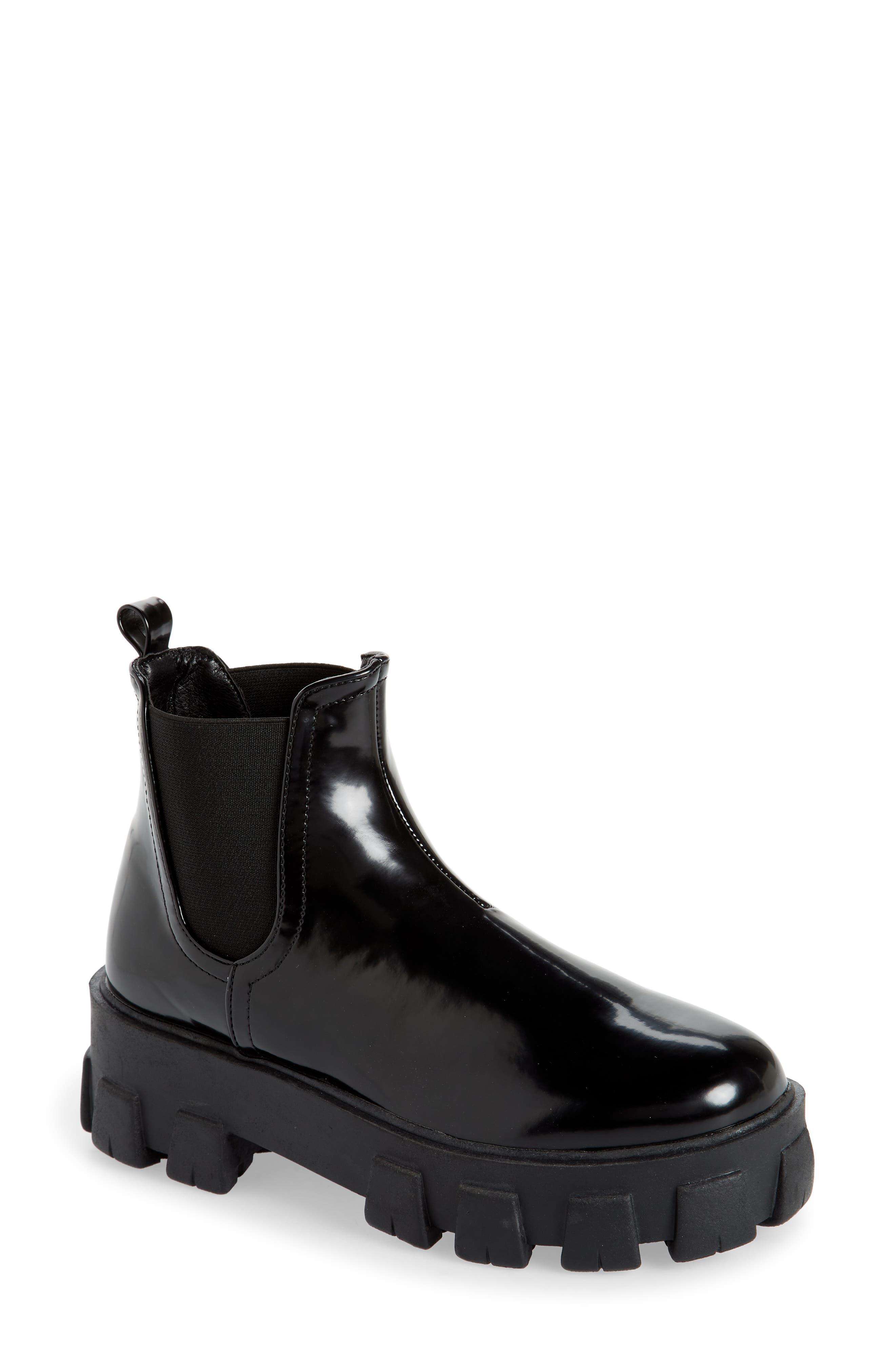 Xanthos Lug Chelsea Boot