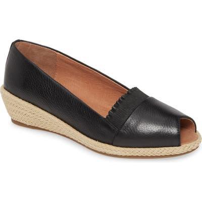 Gentle Souls By Kenneth Cole Luci Flat, Black