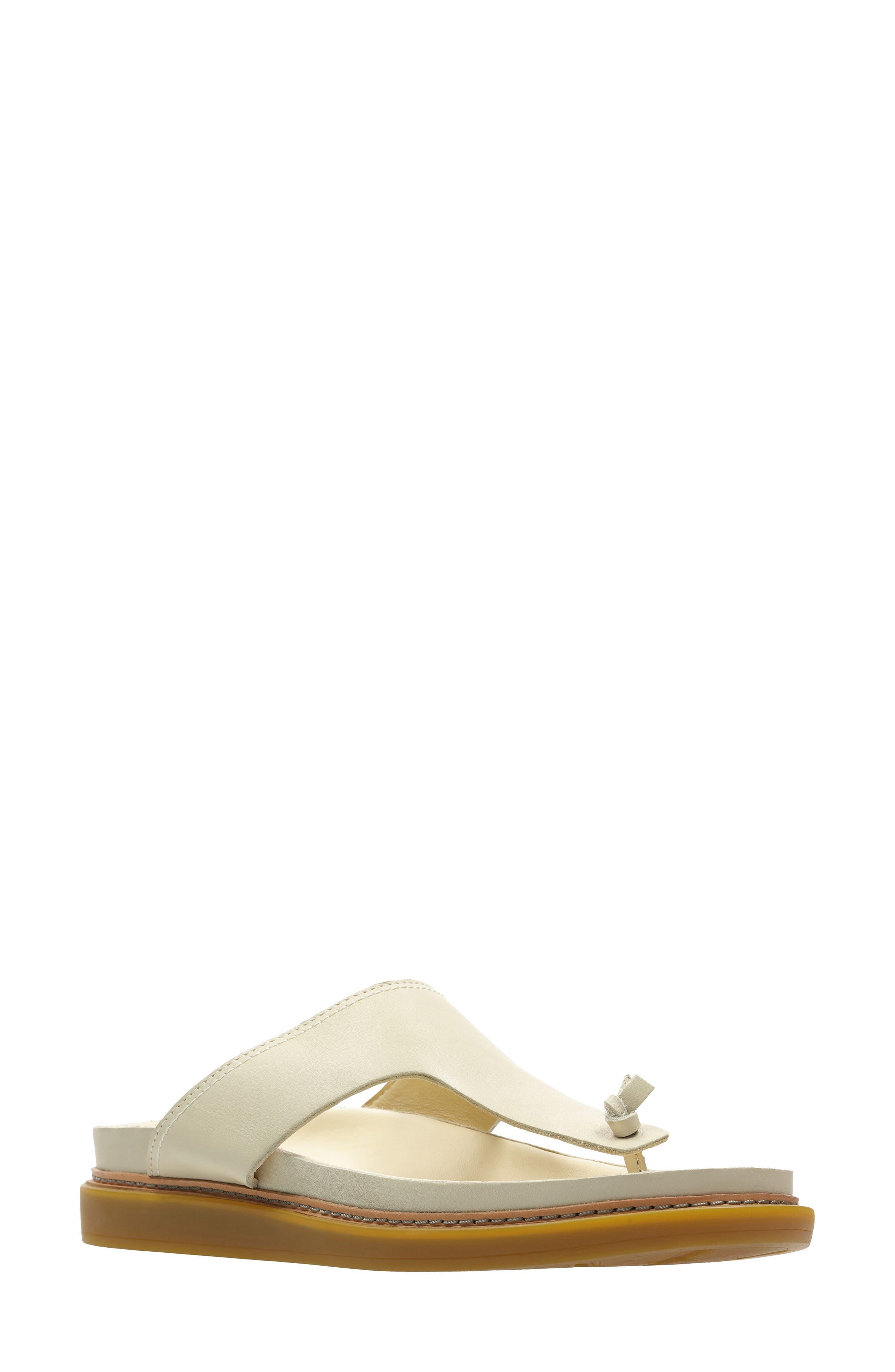 ClarksR Women s Clarks Trace Short T Strap Sandal E5119