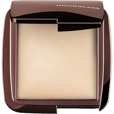 Hourglass Ambient Lighting Powder -