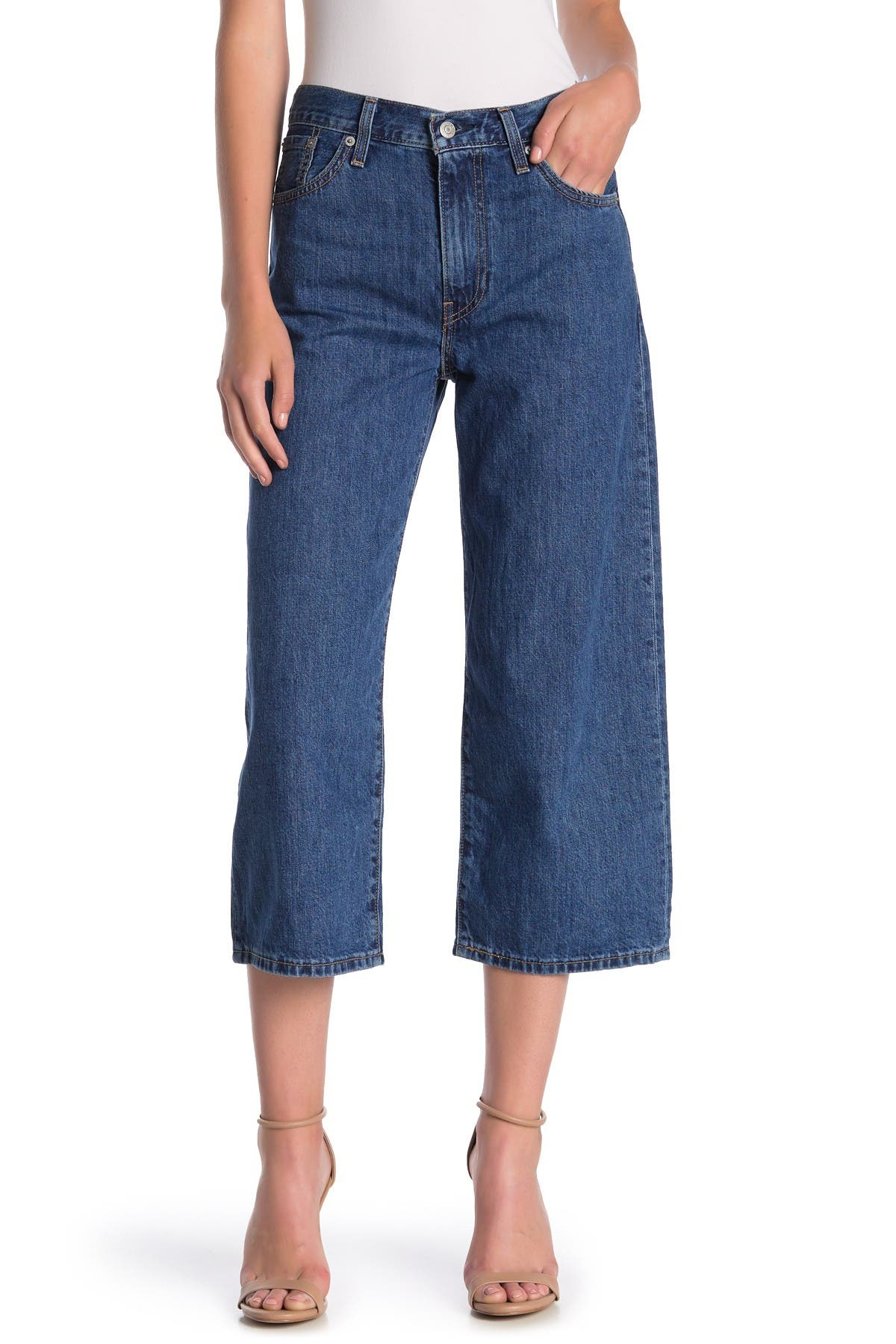 Image of Levi's Baggy Crop Jeans