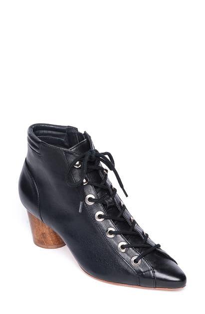 Bernardo Boots FRANCIE LACE-UP BOOT