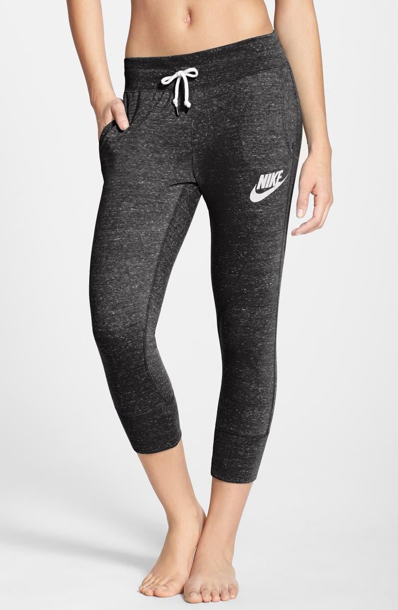 d988e34e83e9f 'Gym Vintage' Capri Sweatpants