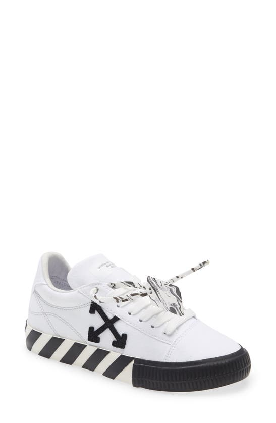 Off-White Low tops VULCANIZED LOW TOP SNEAKER
