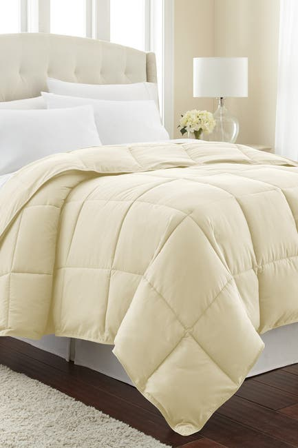 Image of SOUTHSHORE FINE LINENS King/California King Southshore Fine Linens Vilano Springs  Down Alternate Weight Comforter - Off White