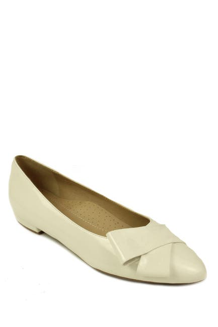Image of VANELi Goran Pointed Toe Flat - Multiple Widths Available